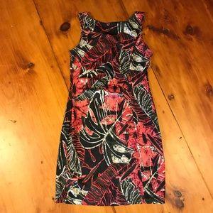 Body con tropical print dress